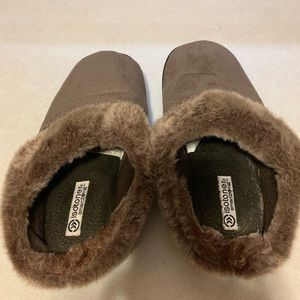 2 pair of fuzzy slippers